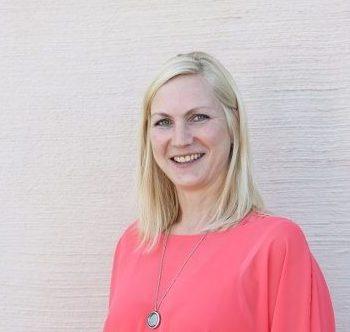 Cornelia Hessel Kauffrau für Büromanagement. Ansprechpartner für Terminvereinbarungen und Einkauf Fertigung