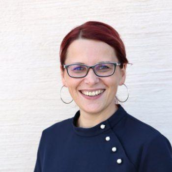 Prokuristin Heike Michalk. Ansprechpartner für Finanzen und Personal